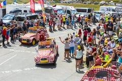 Cochonou-Fahrzeug in den Alpen - Tour de France 2015 Stockbilder