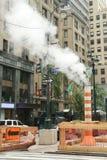 Cocido al vapor del tubo al vapor en Midtown Manhattan Foto de archivo libre de regalías