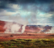 Cociendo la fumarola al vapor en el valle geotérmico Hverarond, Imagen de archivo libre de regalías