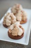 Cociendo y cocinando el chocolate y desiertos dulces Imagen de archivo libre de regalías