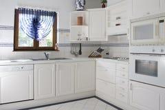Cocina blanca Fotografía de archivo libre de regalías