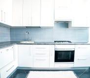 Cocina blanca Fotos de archivo