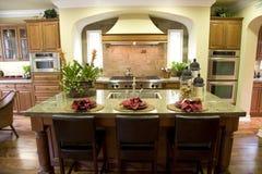 Cocina casera de lujo Foto de archivo libre de regalías