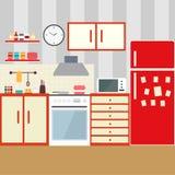 Cocina con muebles Interior acogedor de la cocina con la tabla, la estufa, el armario, los platos y el refrigerador Ejemplo plano Foto de archivo