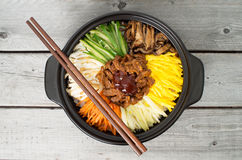 Cocina coreana, Bibimbap de la carne de vaca Fotos de archivo
