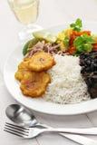 Cocina cubana, negros de los frijoles de la estafa del arroz Imagen de archivo libre de regalías