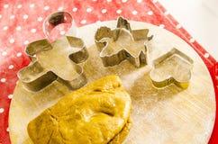 Cocina de la Navidad y del Año Nuevo con las herramientas de la cocina Imagen de archivo libre de regalías