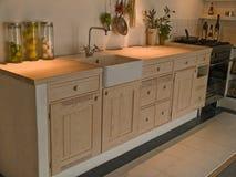 Cocina de madera del país del diseño clásico neo moderno Imagen de archivo