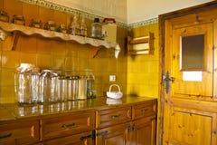 Cocina de madera rústica Imagen de archivo libre de regalías