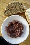 Cocina griega Olive Paste negra deliciosa Fotografía de archivo libre de regalías