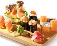 Cocina japonesa - conjunto del sushi Foto de archivo