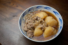 Cocina japonesa Nikujaga (carne-patata) Fotografía de archivo