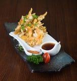 Cocina japonesa tempura Verdura frita de la mezcla en el backg Foto de archivo libre de regalías