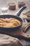 Cocina judía: crepes de patata para Hanukkah imagen de archivo