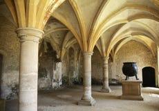 Cocina medieval con la caldera Imagenes de archivo