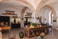 Cocina medieval en museos foto de archivo