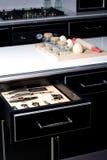 Cocina moderna con el cajón abierto Fotografía de archivo libre de regalías