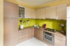 Cocina moderna, diseño interior elegante Fotos de archivo libres de regalías