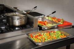 Cocina real del restaurante Fotos de archivo libres de regalías