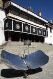 Cocina solar - Tíbet Imagen de archivo libre de regalías