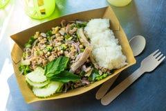 Cocina tradicional de Tailandia, ensalada picante del cerdo del Tailandés-estilo del noreste fotos de archivo libres de regalías
