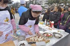 Cocinando las competencias celebradas en el cuadrado abierto Foto de archivo libre de regalías