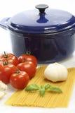 Cocinar el espagueti foto de archivo libre de regalías