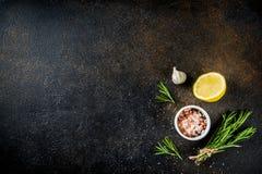 Cocinar el fondo de los ingredientes alimentarios fotos de archivo