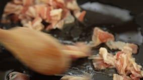 Cocinar el recibo italiano del carbonara del spagetti de la comida almacen de video