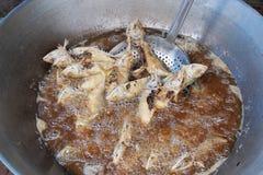 Cocinar a Fried Thai Mackerel Fish Closeup profundo Imagen de archivo