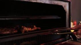 Cocinar la carne en Josper
