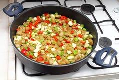 Cocinar la comida Fotografía de archivo libre de regalías