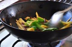 Cocinar la comida sana imagen de archivo