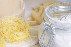 Cocinar la pasta de las pastas Fotos de archivo libres de regalías