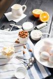 Cocinar la torta con la almendra Imagen de archivo