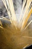Cocinar las pastas Foto de archivo
