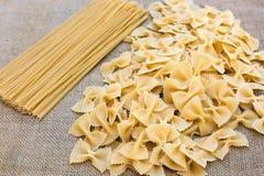 Cocinar las pastas de los macarrones Fondo del alimento Imagenes de archivo