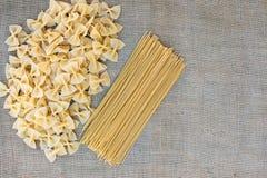Cocinar las pastas de los macarrones Fondo del alimento Imagen de archivo libre de regalías