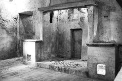 Cocinas antiguas del monasterio Foto blanco y negro de Pekín, China imagen de archivo libre de regalías