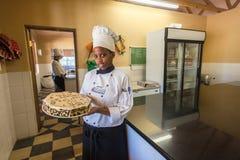 Cocinero Customers Birthday Cake Fotografía de archivo libre de regalías