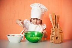 Cocinero de los jóvenes fotos de archivo