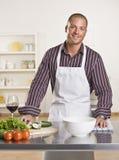 Cocinero de sexo masculino atractivo Imagen de archivo libre de regalías