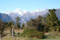 Cocinero del Mt Tasman y del Mt del lago   fotografía de archivo libre de regalías