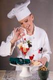 Cocinero del postre de la tarjeta del día de San Valentín Imagen de archivo libre de regalías