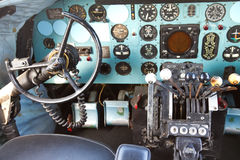Cockpit av Douglas DC-3 Royaltyfria Foton