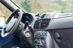 Cockpit av en bil Royaltyfria Bilder