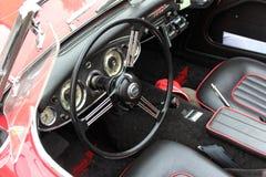 Cockpit av en oldtimer Arkivfoto