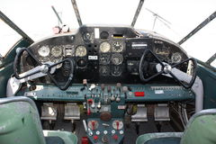 Cockpit Beechcraft Expeditor lizenzfreie stockbilder