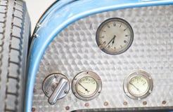 Cockpit des alten bugatti lizenzfreie stockfotografie