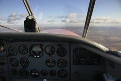 Cockpit des Flugzeugs fliege Russland lizenzfreie stockfotos